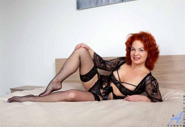 [Full HD] Sunny - Black Lace 24.02.21 Mix - SiteRip-00:20:07 | Bras, Long Hair, MILF, Solo, Stockings, Panties, Shaved Pussy, European, Lingerie, Medium Boobs, Redhead - 1,9 GB