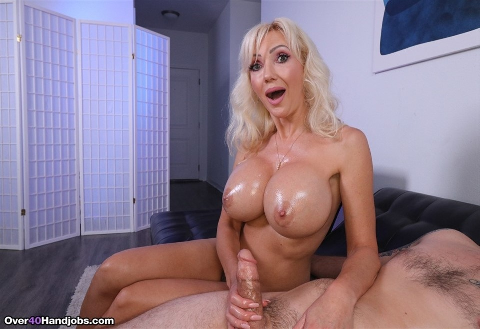 [Full HD] Victoria Lobov - Boobs and Lube Victoria Lobov - SiteRip-00:10:02 | Big tits, Handjob, MILF, Cumshot, Blonde - 300,3 MB