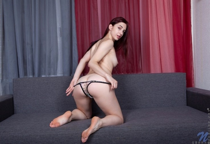 [Full HD] Zerra - Intimate Fun 24.12.20 Mix - SiteRip-00:22:10   Fair Skin, Solo, Long Hair, Redhead, High Heels, European, Shaved Pussy, Thongs, Medium Boobs - 2,1 GB