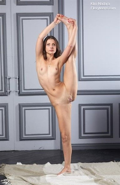 [Full HD] 2019-02-01 Kim Nadara 2 Mix - SiteRip-00:18:20   Gymnastics, Posing, Flexible - 1,3 GB