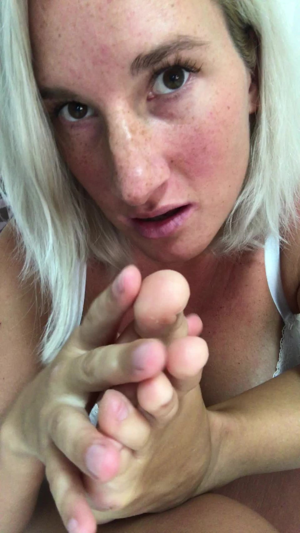 [Full HD] 8Cherry8Girl8 Foot Fetish Video Hd 8Cherry8Girl8 - ManyVids-00:06:07 | Foot Fetish,Highly Arched Feet,Toe Fetish,Toe Sucking,Feet - 684,5 MB