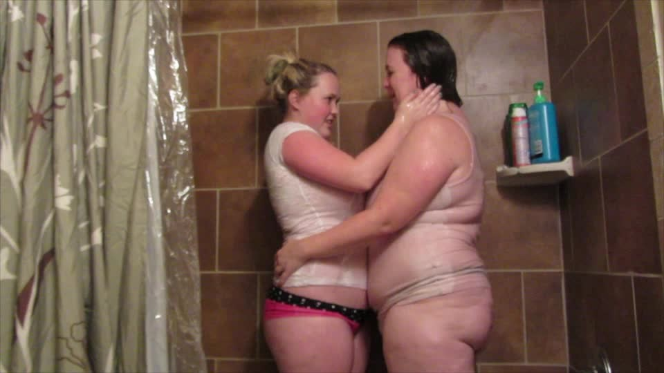 [SD] Abbyadore Soap And Suds AbbyAdore - ManyVids-00:08:08 | Lesbians,BBW,Shower,Kissing,Bathroom Sex - 403,3 MB
