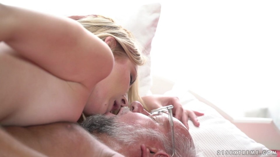 [Full HD] Amaris - Stripping With Grandpa Amaris - SiteRip-00:32:06 | All Sex, Grandpa, Oldyoung, Blowjob - 1,4 GB