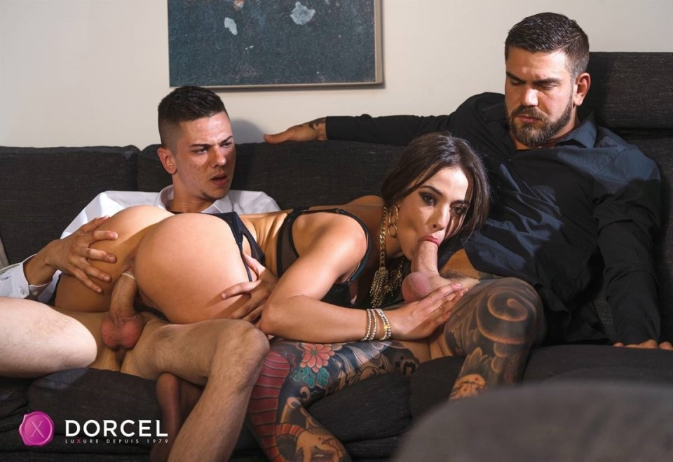 [Full HD] Anastasia Brokelyn - Anastasia Brokelyn 4 You Anastasia Brokelyn - SiteRip-00:38:00 | Brunette, Threesome, Hardcore, Small Tits, Gonzo, All Sex, Blowjob - 1,1 GB