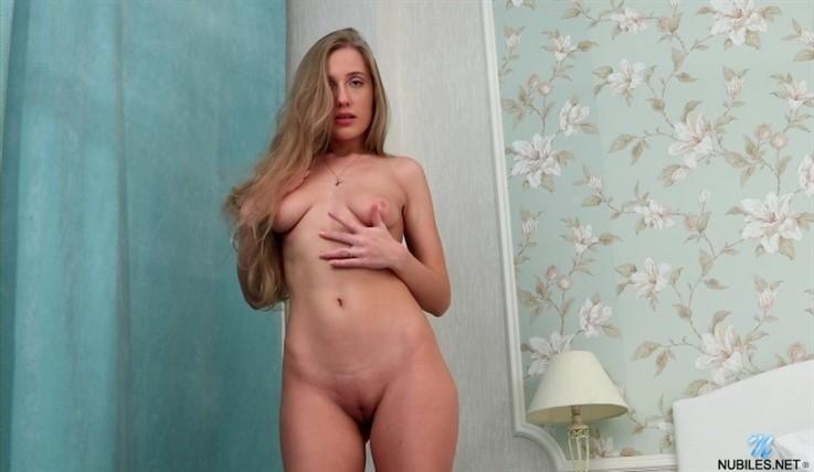 [Full HD] Bonny Rey - Enjoy 20.03.21 Mix - SiteRip-00:21:30 | Thongs, Medium Boobs, Solo, Fair Skin, Masturbation, Long hair, Big Areolas, Shaved Pussy, Brunette - 1,3 GB