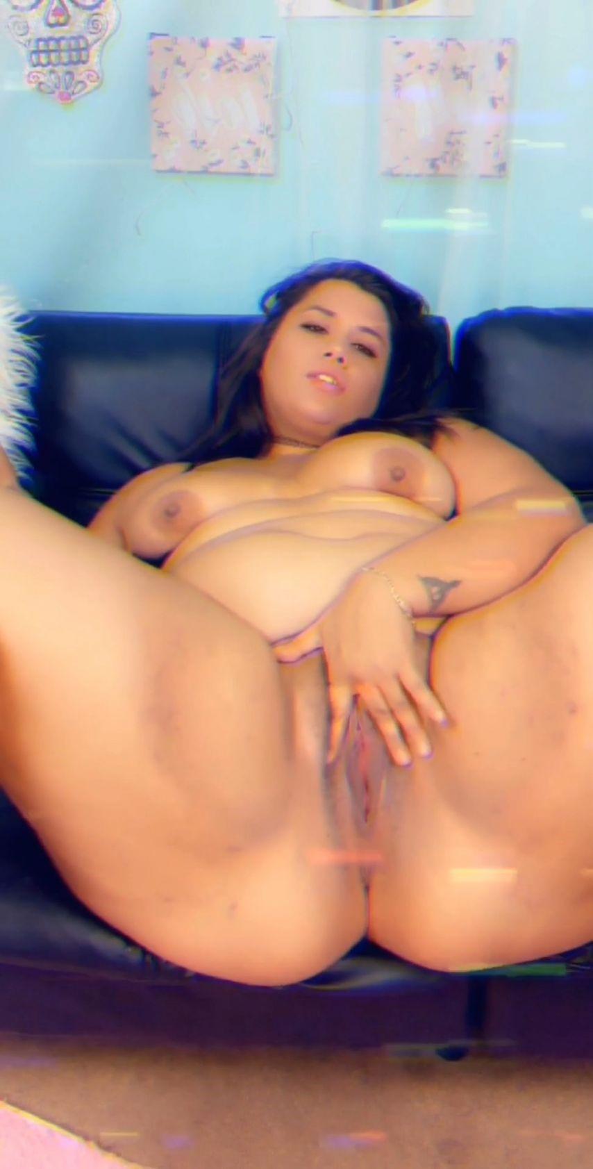 [SD] Breana Khalo Fucking Myself On Snapchat Breana Khalo - ManyVids-00:03:57 | BBW Goddess,Dildo Fucking,Pussy Spreading,Solo Female,Squirt - 125,4 MB