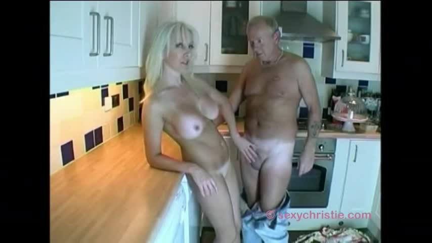 [HD] Christiemilf Slutty Housewife Has Fucking Fantasy ChristieMILF - ManyVids-00:20:16 | Housewives,MILF,Deepthroat,Big Tits,Anal - 599,7 MB