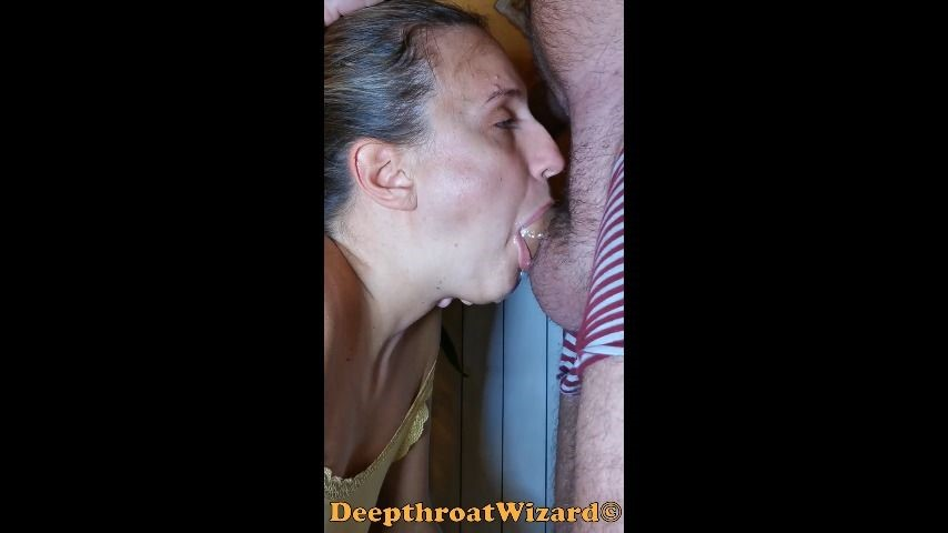 [SD] deepthroatwizard incredible throat skills real amateur DeepthroatWizard - ManyVids-00:13:44 | Deepthroat,Face Fucking,Gag,SPH,Throat Fucking - 486,2 MB