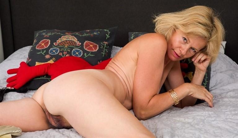 [Full HD] Diana Gold - Sexy Diana Mix - SiteRip-00:10:51 | Solo, Medium Boobs, Short Hair, Lingerie, Hairy Pussy, High Heels, Fair Skin, Blonde, Puffy Nipples - 1,3 GB