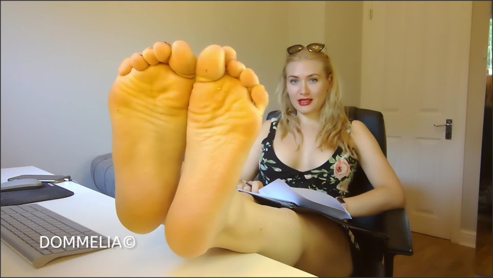 [Full HD] Dommelia - Threatened By Colleagues Sexy Feet Goddess Dommelia - Manyvids-00:10:04 | Size - 524 MB
