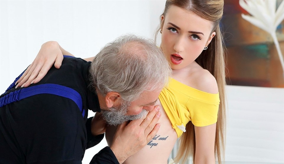 [Full HD] Empera aka Vladlena - Old man fucks a fresh babe Mix - SiteRip-00:25:48 | All Sex, Old and Young - 1,5 GB