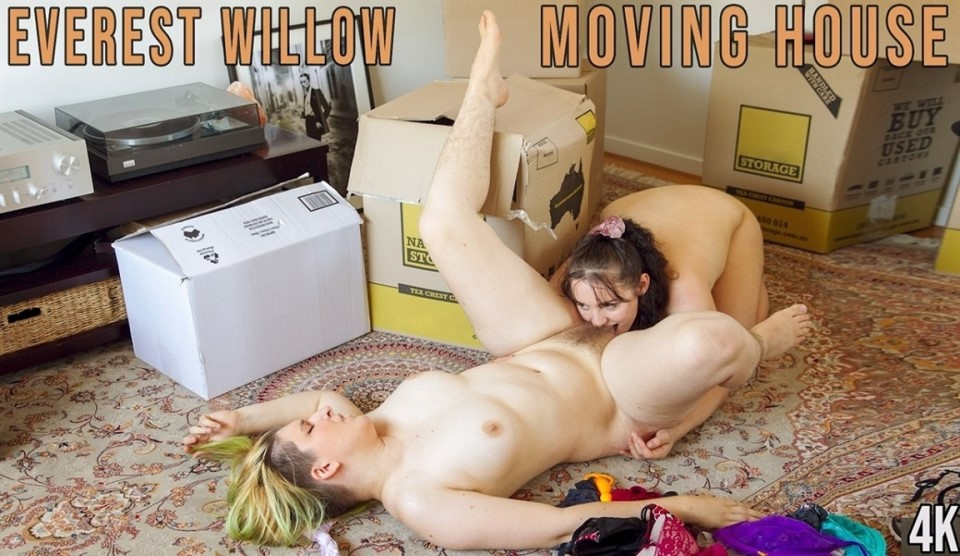 [4K Ultra HD] Everest & Willow - Moving House Everest & Willow - SiteRip-00:27:41 | Curvy, Girl, Big Boobs, Anal, Orgasm, Lesbian, Sex Toy - 3,1 GB