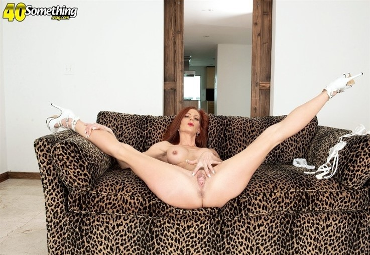 [4K Ultra HD] Gabby Lamb - A Mother Of Seven Whos Tight & Right 02.03.21 Gabby Lamb - SiteRip-00:17:12 | Masturbation, Mature, Amateur, Solo, Redhead, MILF - 3,3 GB