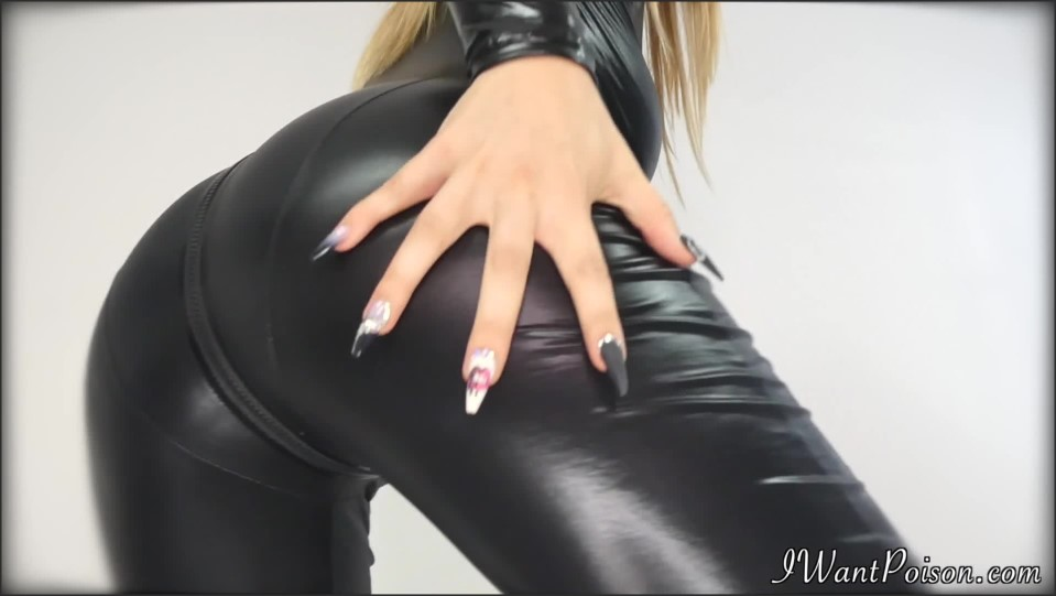 [Full HD] Goddess Poison - Cat Woman Fucks Her Bat Bitch! Goddess Poison - Manyvids-00:13:33 | Size - 502 MB
