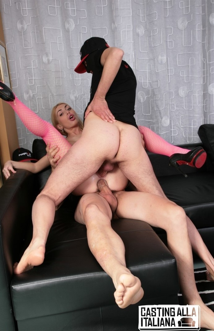 [Full HD] Isabella Busty Blonde Enjoys A MMF Threesome With Double Penetration Action Isabella Clark - SiteRip-00:27:52 | Hardcore, DP, Oral, Anal - 2,4 GB