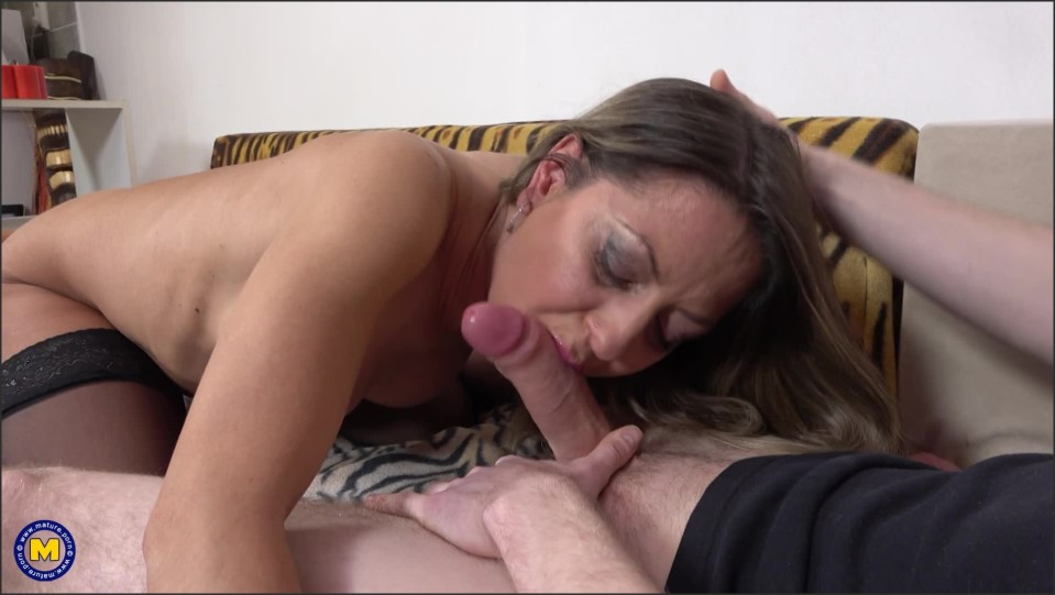 [Full HD] Jane Sweet - Milf Jane Sweet Is Seducing The Boy Next Door For Some Afternoon Delight Jane Sweet (38) - SiteRip-00:32:16 | Old, Shaved, Cum, Blowjob, MILF, Toy Boy - 1,4 GB