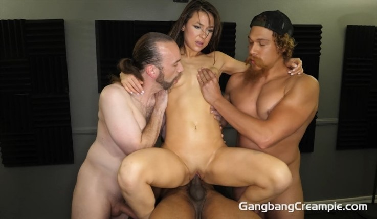 [Full HD] JC Silva - GangBang Creampie 291 JC Silva - SiteRip-00:37:20 | Blowjobs, Petite, Natural, First Timer, Shaved, Interracial, Gangbang, 4 Creampies, Brunettes, Cum On Pussy, Deepthroat - 1,6 GB