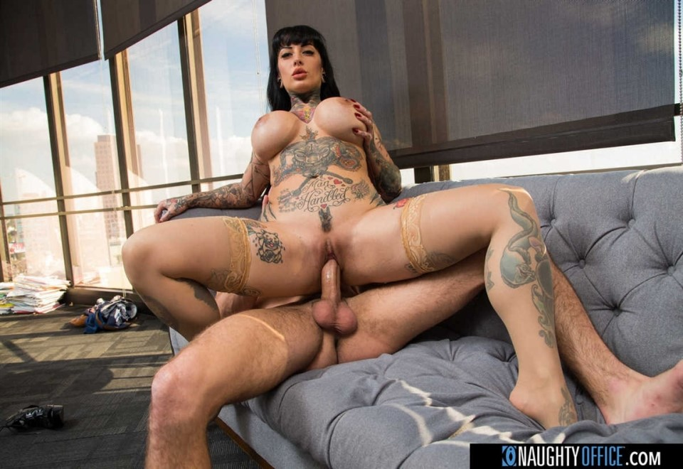 [HD] Jessie Lee - Jessie Lee Gets Fucked In Her Office By The It Guy Jessie Lee - SiteRip-00:31:19 | Deepthroat, Cum On Tits, Brunette, Big Tits, All Sex, Bubble Butt, Tatto, Fake Tits, Hand Job, Trimmed, Swallowing, Big Dick, Lingerie - 744,6 MB