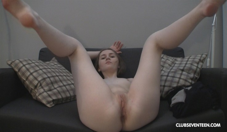[Full HD] Kat - Shy Girl Showing Her Perfect Body 28.08.19 Mix - SiteRip-00:05:19 | Blondes, Shaved, Home Video, Small Tits, Solo Action, Teens - 567,1 MB