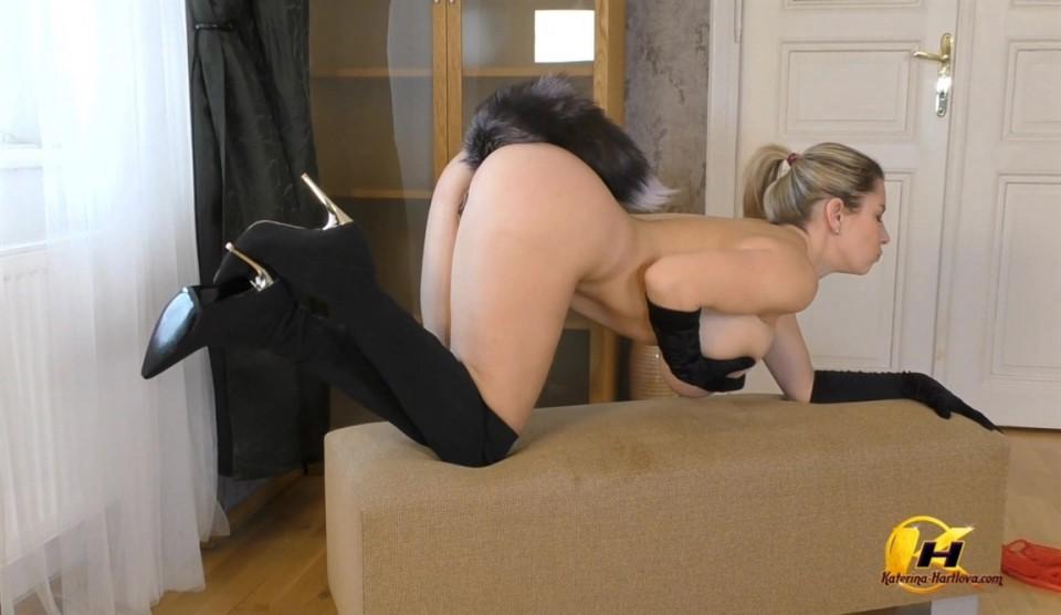 [Full HD] Katerina Hartlova - First Time Me With FoxyTail Katerina Hartlova - SiteRip-00:15:19 | Whip, Blonde, Big Tits, Natural Tits, Solo, Anal Plug, Masturbation, MILF - 675,6 MB