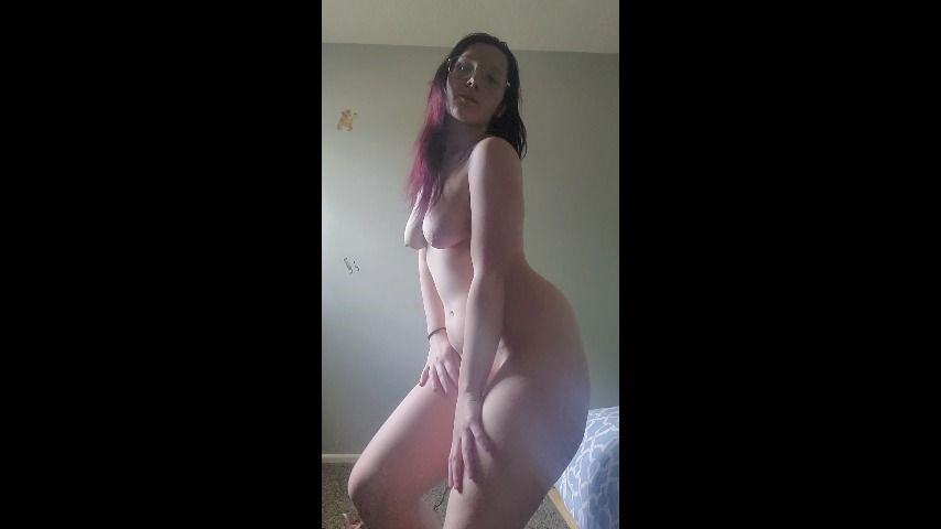 [SD] Kelsi Baby Naked Dancing Kelsi_Baby - ManyVids-00:03:45 | Dancing,Exhibitionism,Nudity/Naked,PAWG,White Booty - 132,1 MB
