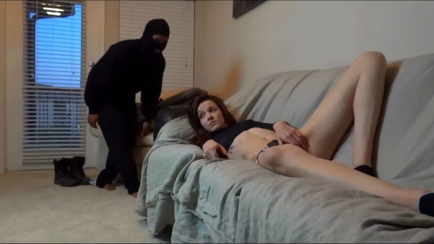 [HD] king cure tv bella gets fucked by intruder King Cure TV - ManyVids-00:30:59 | Interracial,Role Play,Domination,Anal,Cumshots - 468,4 MB