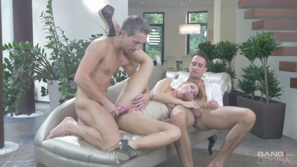 [HD] Kira Thorn Takes Two Cocks In Her Holes In The Glamorous Hardcore Fuck Kira Thorn - SiteRip-00:47:06 | Facial Cumshot, Threesome, Anal, Double Penetration - 944,7 MB