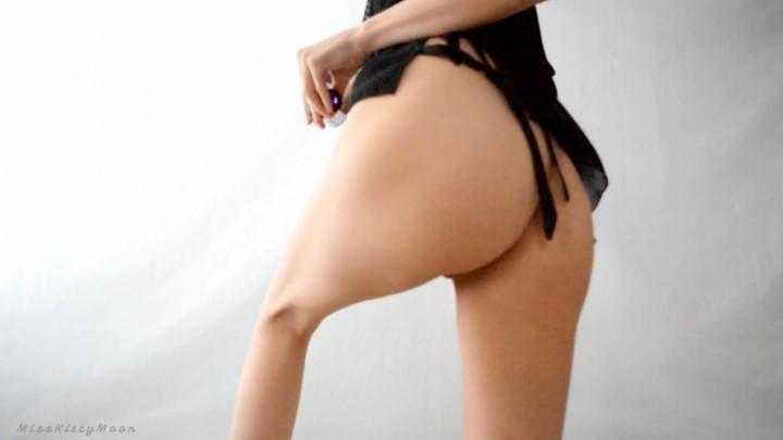 [Full HD] Kitty Moon Bts Butt Plug Kitty Moon - ManyVids-00:03:57 | Behind The Scene,Butt Plug,Ass,Ass Fetish,Solo Female - 225 MB