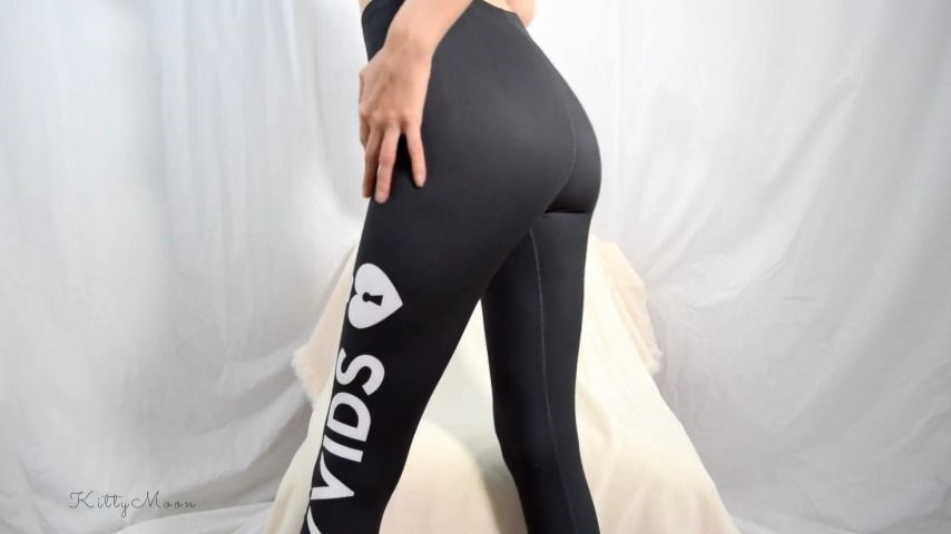 [Full HD] Kitty Moon Cumming In My Mv Leggings Kitty Moon - ManyVids-00:08:20 | Leggings,Masturbation,Orgasms,Topless,Fetish - 136,3 MB