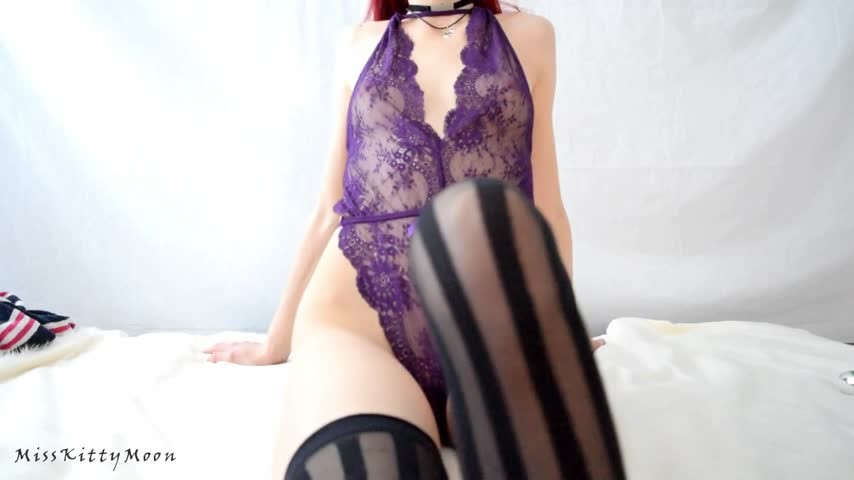 [Full HD] Kitty Moon Free Teaser From Close And By My Side Kitty Moon - ManyVids-00:02:13 | Fetish,Lace/Lingerie,Redhead,Small Tits,Solo Female - 53,5 MB