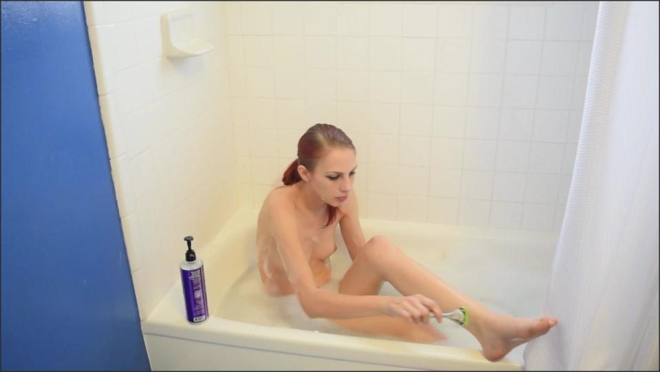 [Full HD] Kitty Moon Shaving Kitty Moon - ManyVids-00:15:29 | Bathtub Fetish,Fetish,Pussy Shaving,Shaving,Solo Female - 1 GB