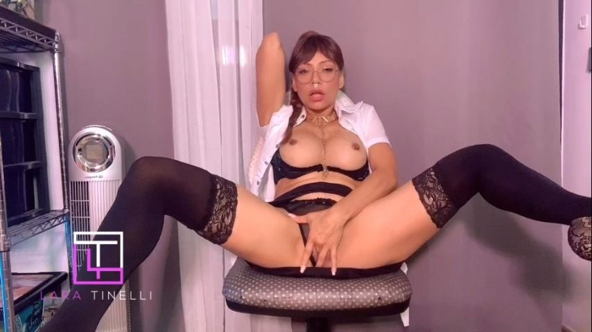 [Full HD] Lara Tinelli Cosplay Secretary Squirting On Your Face Lara Tinelli - ManyVids-00:09:33   Cosplay,Pornstars,Secretary,Squirt,Squirting - 971,3 MB