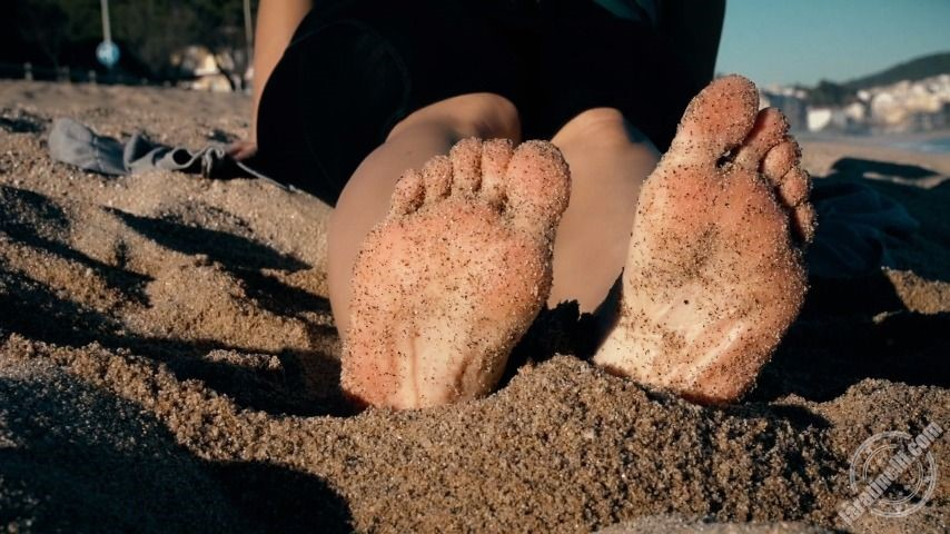 [Full HD] Lara Tinelli Naked Feet In Public Lara Tinelli - ManyVids-00:12:21 | Barefoot,Pornstars,Public Outdoor,Toe Fetish,Feet,SFW - 2,2 GB