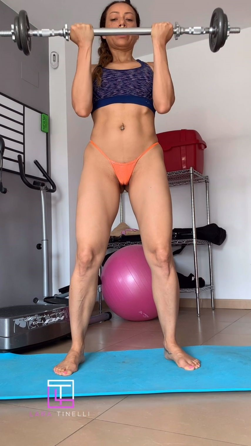 [SD] Lara Tinelli Sex Training Camel Toe Lara Tinelli - ManyVids-00:01:36 | Camel Toe,Female Training,Micro Bikini,Pornstars,Public Flashing - 61,3 MB