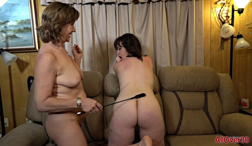 [Full HD] lynn and Sonic lynn and Sonic - SiteRip-00:32:33 | lesbian, mature, granny, domination, spanking, double dildo, pussy licking, natural - 2,7 GB