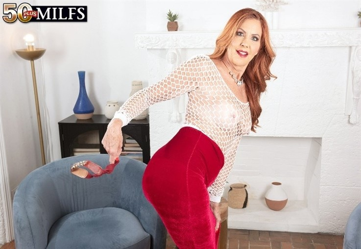 [4K Ultra HD] Mrs. Robinson - Yes, Mrs. Robinson Is Trying To Seduce You 23.03.21 Mrs. Robinson - SiteRip-00:18:01 | Mature, Redhead, MILF, Solo, Masturbation, JOI - 4,4 GB