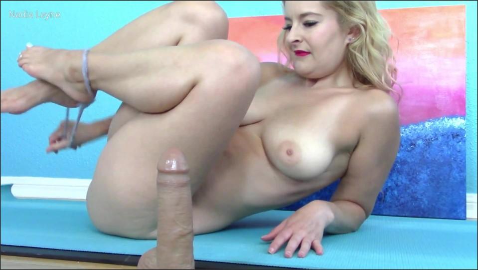 [Full HD] Nadia Layne Yoga Private Yoga Ends With A Massage Hj Nadia Layne Yoga - Manyvids-00:11:41   Size - 596,1 MB