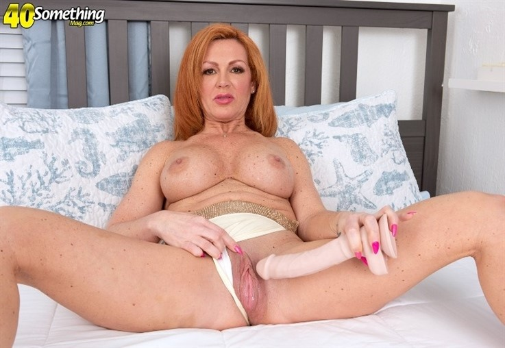 [4K Ultra HD] Nina Lakes - A Milf & Her Huge Toy 09.03.21 Nina Lakes - SiteRip-00:13:41 | Big Tits, Masturbation, Redhead, Mature, Toy, MILF - 2,9 GB