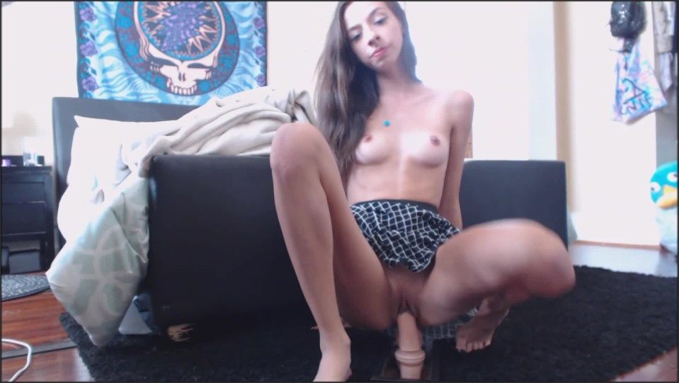 [Full HD] Olivia Young Riding My Toy In A Short Skirt Olivia Young - ManyVids-00:09:35 | Barefoot,Foot Fetish,Foot Worship,Toe Fetish,Toe Wiggling - 834,5 MB