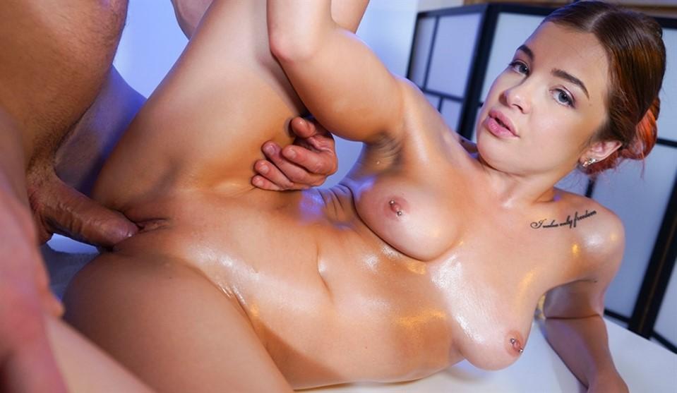 [Full HD] Renata Fox - Masseur milked by sexy Russian Renata Fox - SiteRip-00:21:49 | Oil, Piercing, Innie Pussy, All Sex, High Heels, Small Ass, European, Reverse Cowgirl, Sex, Tattoo, Blonde, Pus...