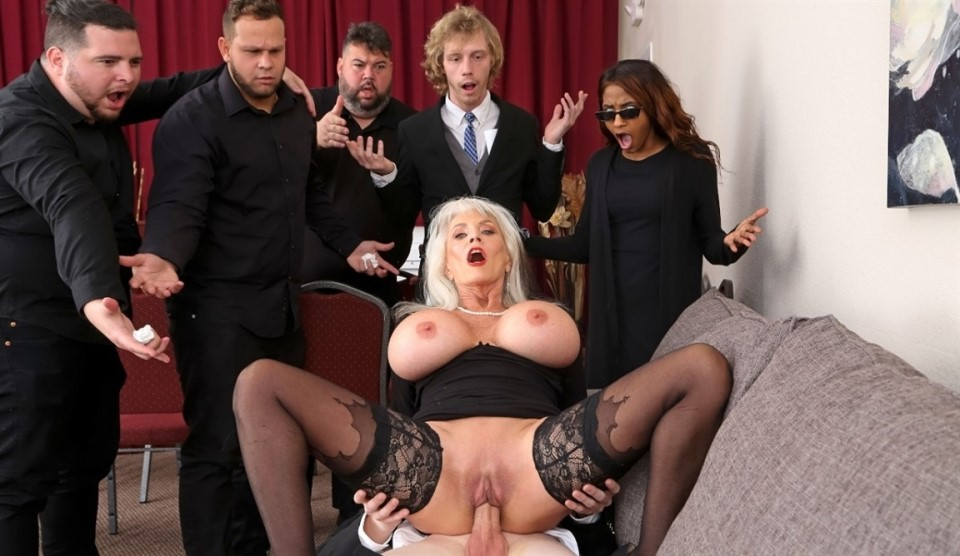 [Full HD] Sally D'Angelo - Burying The Dick 10 Inch Deep Sally D'Angelo - SiteRip-00:40:34 | Blowjob, Cum On Tits, All Sex, Huge Tits, Grannygilf - 1,1 GB
