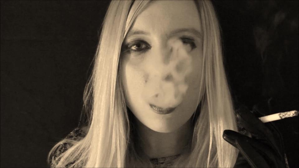 [Full HD] sophieshox smoke induced trance SophieShox - ManyVids-00:03:06 | Smoking,Mesmerize,Slow Motion,Mind Fuck - 420,4 MB
