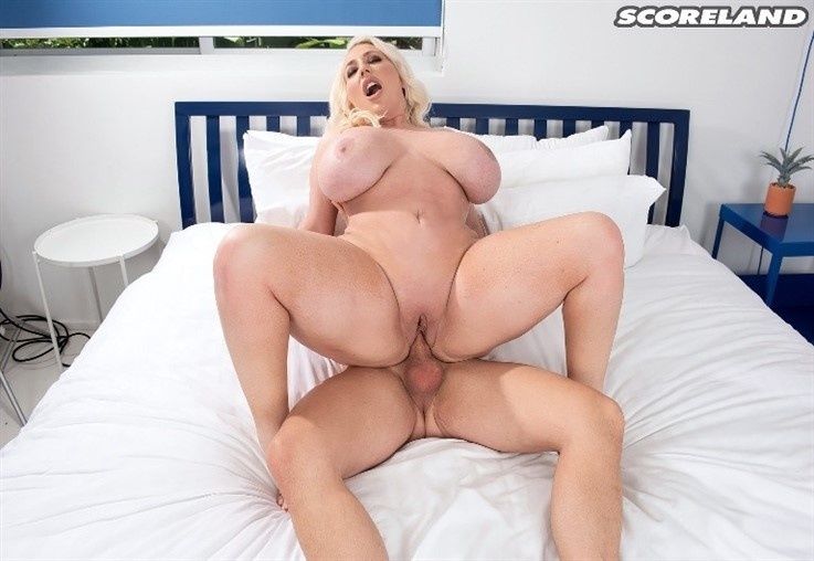 [4K Ultra HD] Stassi Rossi - Hot & Horny Shower 12.03.21 Stassi Rossi - SiteRip-00:22:46 | Boob Play, Blonde, Bathing, PussyEating, All Sex, TitFucking, Big Ass, Doggy Style, Blowjob, Cumshot, Big ...