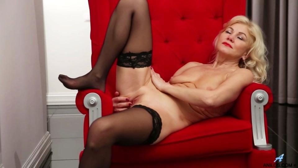 [Full HD] Sylvie - Sweet Sylvie Mix - SiteRip-00:18:38   Shaved Pussy, Long hair, Medium Boobs, Blonde, Puffy Nipples, Fair Skin, Solo - 958,3 MB