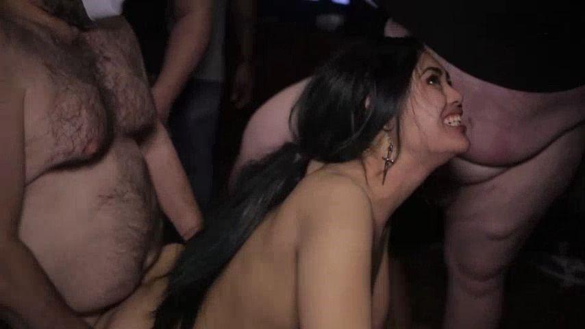 [SD] Tadpolexxxstudio Vivians Gb Wporn Stars From Exxxotica TadPoleXXXStudio - ManyVids-00:35:50 | Asian Goddess,Bareback,Gangbangs,Orgy,XXX Hardcore - 526,4 MB