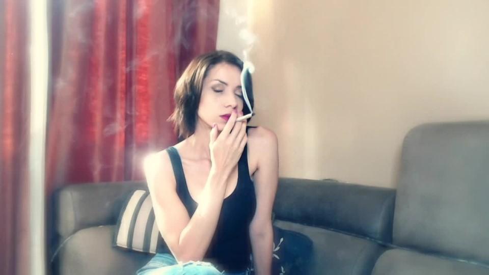 [HD] Xxxcaligulaxxx Sensual Topless Joint Smoking XxxCaligulaxxx - ManyVids-00:04:17 | Brunette,Smoking,Topless - 369,2 MB