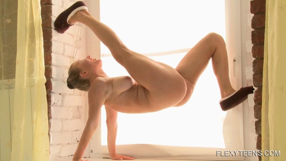 [Full HD] 2018-05-11 Aliska Zhiros 2 Mix - SiteRip-00:15:09 | Flexible, Posing, Gymnastics - 1,1 GB