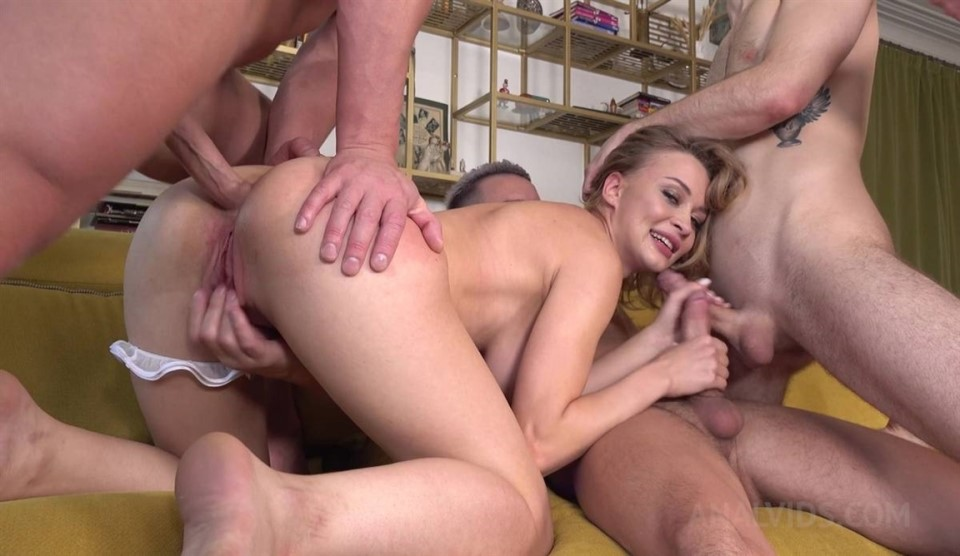 [Full HD] 4 Cocks Vs 1 Beauty Loren Strawberry HARD Fucking NRX034 Mix - SiteRip-00:50:04 | Big Tits, Teen, Blowjob, Double Penetration, Dirty Talk, Cum Swallowing, Anal, Natural Tits, Blonde, Facial, Ass To Mouth, Gangbang, Ass To Pussy - 4,3 GB