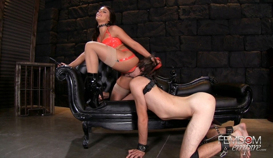 [Full HD] Adriana Chechik. Soaked In Squirt Adriana Chechik - FemdomEmpire-00:11:46 | Stockings, Pornstar, Femdom, Brunette, Squirt, High Heels - 956,9 MB