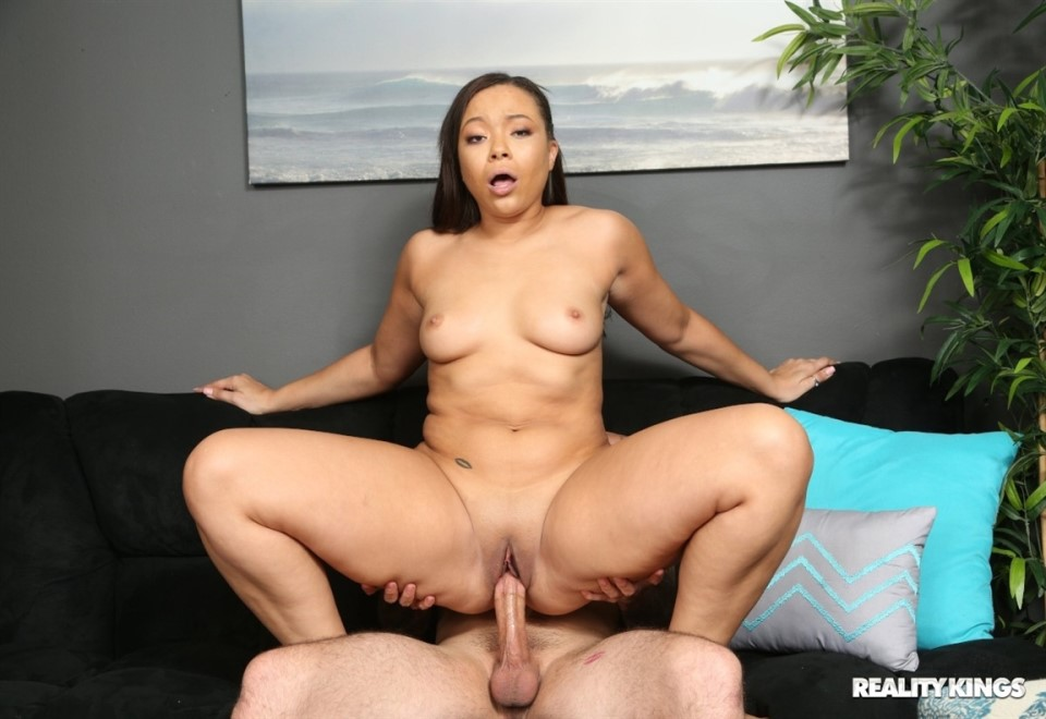 [Full HD] Adriana Maya - Adriana's Dick Delivery Adriana Maya - SiteRip-00:29:21 | All Sex, IR, Facial, Blowjob, Ebony - 703,7 MB